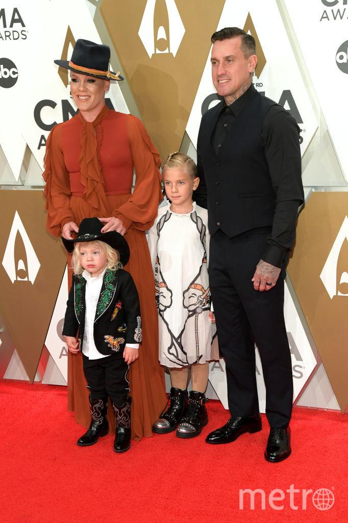 CMA Awards-2019. Пинк с семейством. Фото Getty