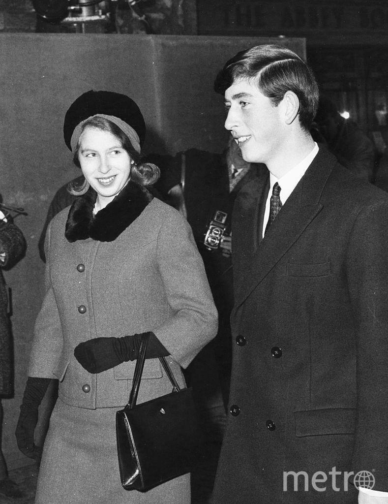 С сестрой принцессой Анной в 1965 году. Фото Getty