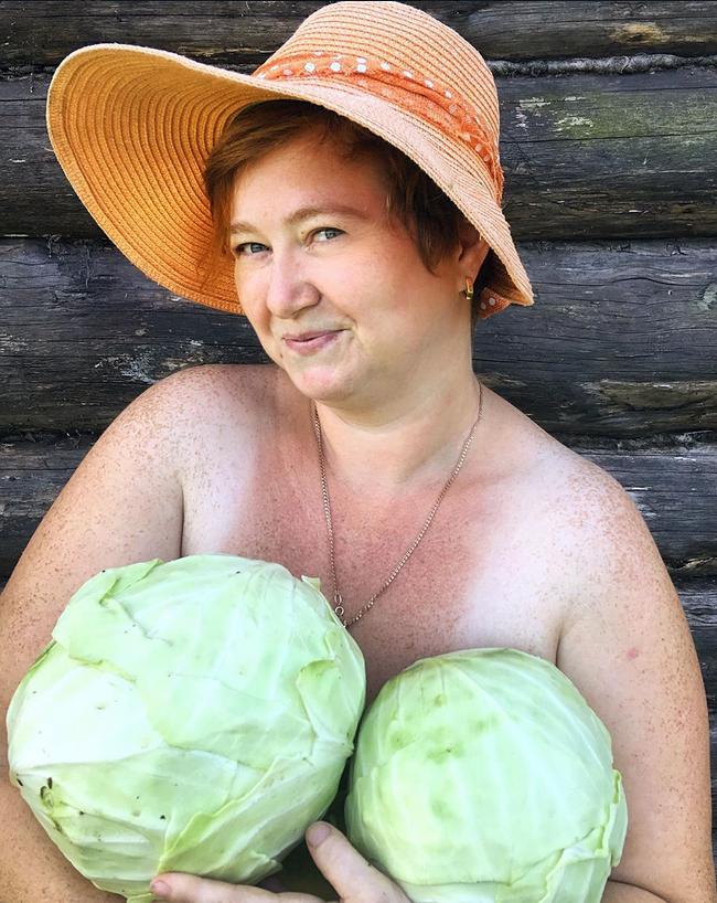Увидела у Тани эротично-капустное фото (все же видели, да?) и не смогла удержаться и не повторить. Фото Скриншот Instagram: @homestead.of.vinogradoff