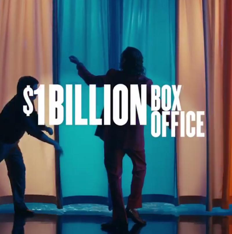 """Режиссёр """"Джокера"""" Тодд Филипс подтвердил, что фильм собрал 1 млрд долларов. Фото Скриншот @toddphillips1"""