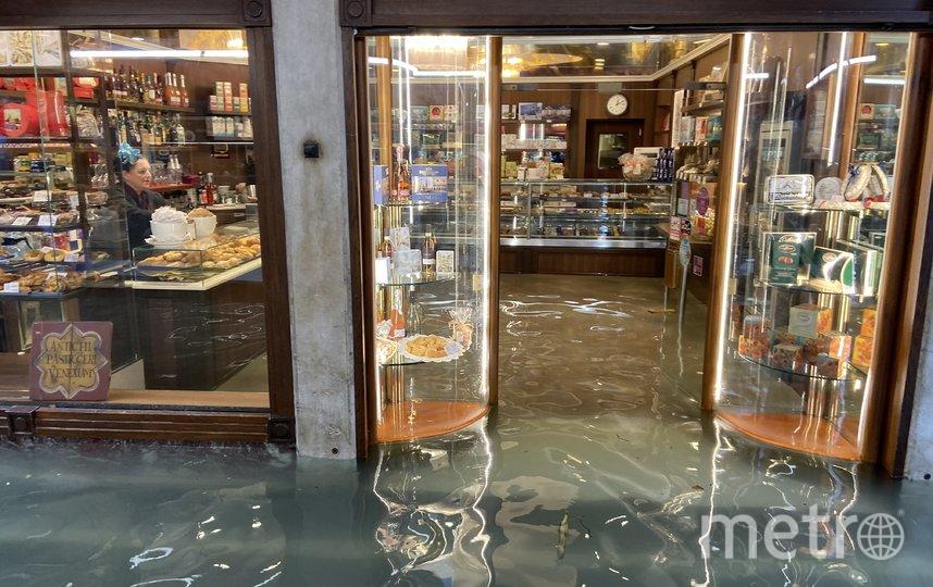 Из-за самого сильного за 50 лет наводнения правительство Италии ввело в Венеции режим чрезвычайного положения. Фото Getty