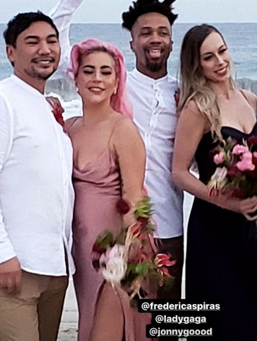 Леди Гага на свадьбе своей лучшей подруги. Фото скриншот @montanaefaw