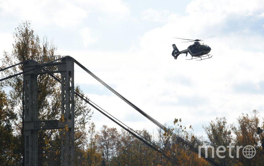 На юго-западе Франции обрушился подвесной автомобильный мост. Фото AFP