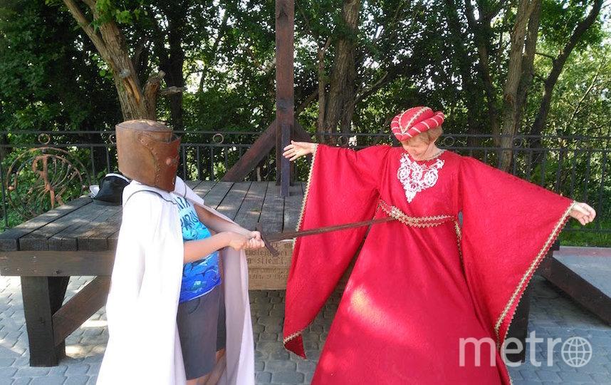 """Я тебе не бабушка, я артистка-юмористка-путешественница"". Фото Лариса Хлопина (61 год), ""Metro"""