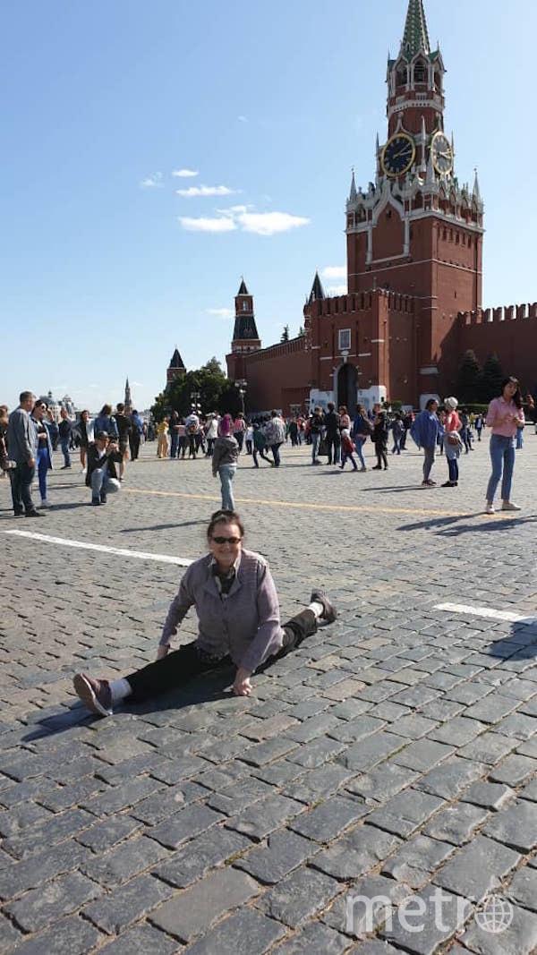 """Я тебе не бабушка, я – гимнастка"". Фото Нелли Толачева (88 лет), ""Metro"""