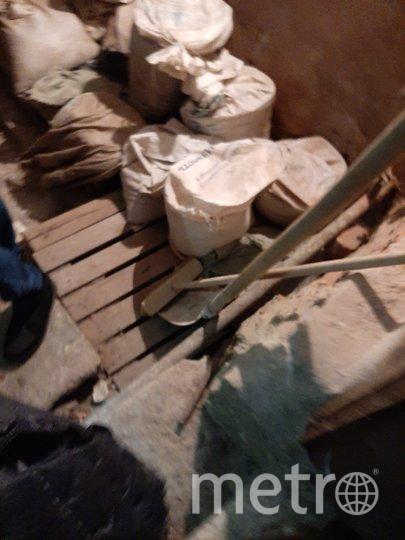 Строительный мусор в подвале дома на Кирочной. Фото предоставлено Инной Керимовой
