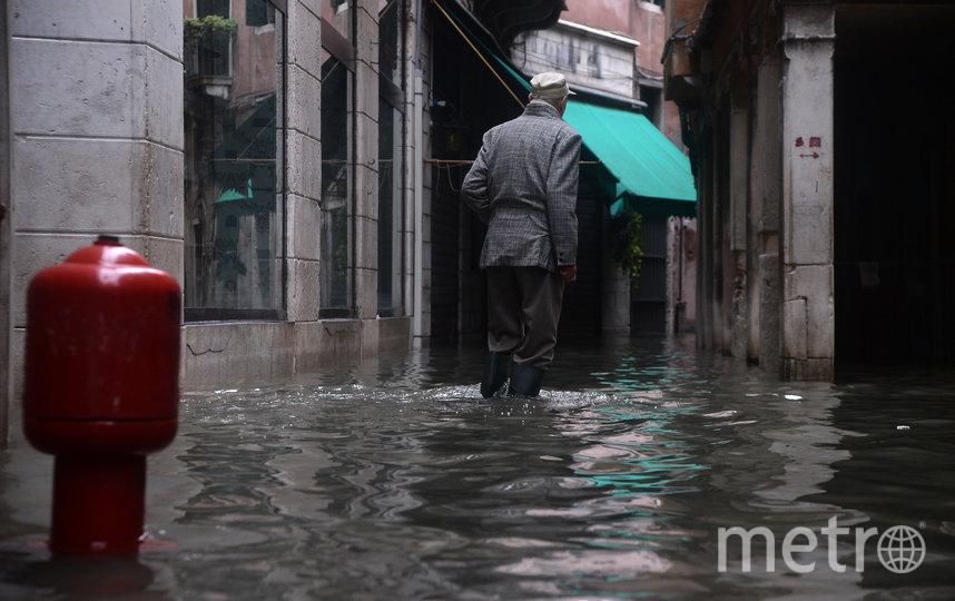 Ранее власти Италии обратились к мировому сообществу с просьбой оказать помощь Вениции, чей ущерб от потопа достигает одного миллиарда евро. Фото AFP