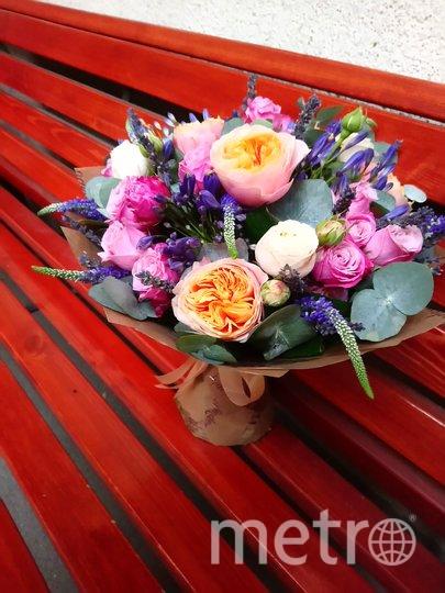Сборный букет из роз. Фото предоставлено Флорист.ру