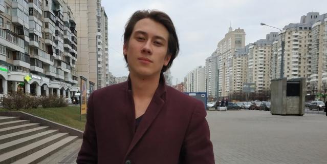 Сергей, web-дизайнер, 25 лет.