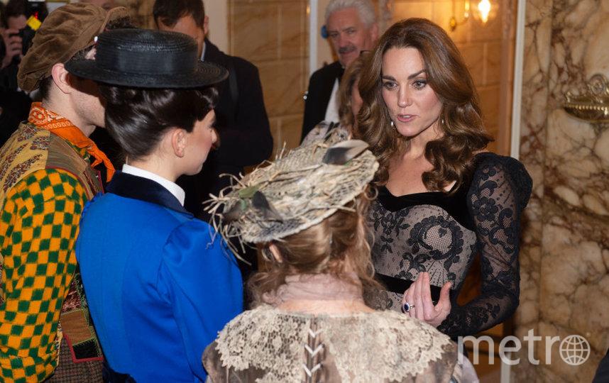 На последний вечерний выход Кейт надевала шикарное черное кружевное платье. Фото Getty