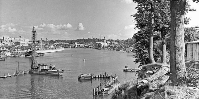 1958 год. Строительство метромоста только начинается.
