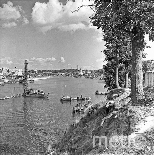 1958 год. Строительство метромоста только начинается. Фото Борис приходько, РИА Новости