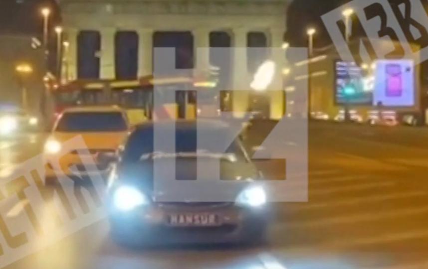 Водитель проехал по Московскому проспекту, стреляя из окна. Фото скриншот видео https://www.5-tv.ru/