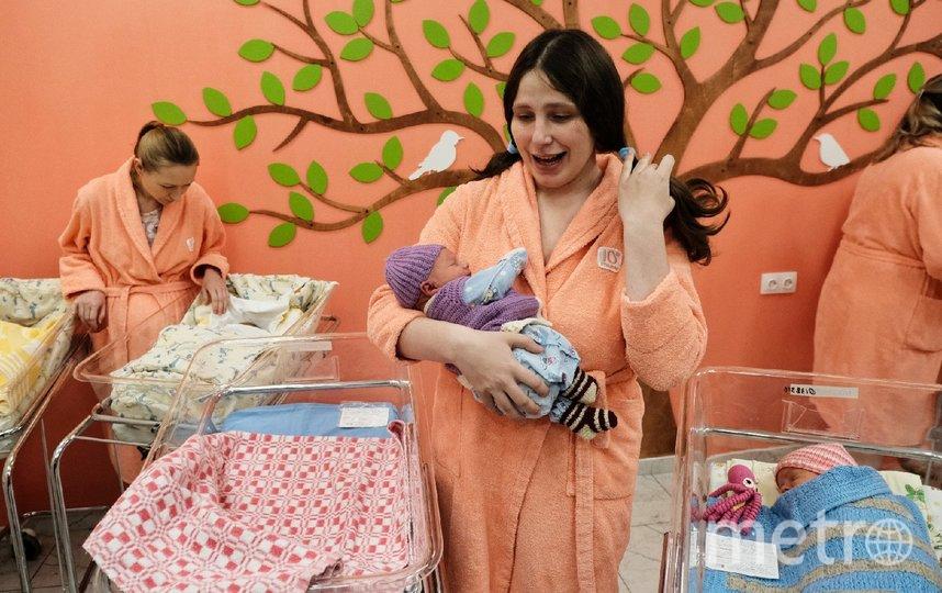 """В Петербургском роддоме № 10 отметили рождение сотой двойни за этот год. За прошлую неделю здесь сразу шесть женщин стали мамами близнецов. Фото Алена Бобрович, """"Metro"""""""
