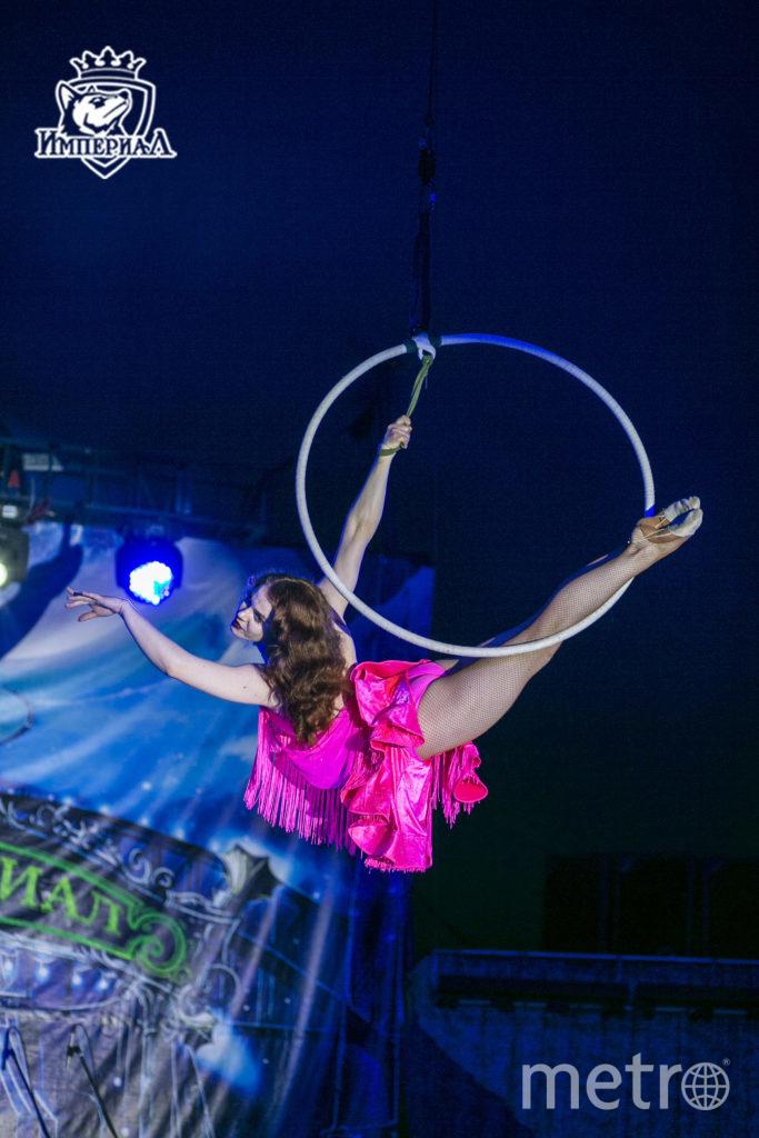 "Татьяна - воздушная гимнастка. Фото http://circus-imperial.ru/photo/, ""Metro"""