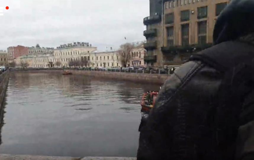 Поиск останков Анастасии Ещенко в реке Мойке. Фото Скриншот Youtube
