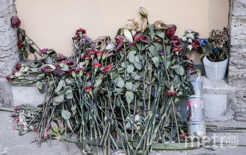 """Петербургские экскурсоводы включили дом, где случилась трагедия, в свои маршруты. Фото Святослав Акимов, """"Metro"""""""