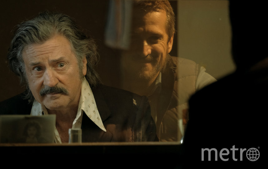 Перенестись в прошлое Виктору помогает талантливый режиссёр, который также переживает кризис в отношениях. Фото volga