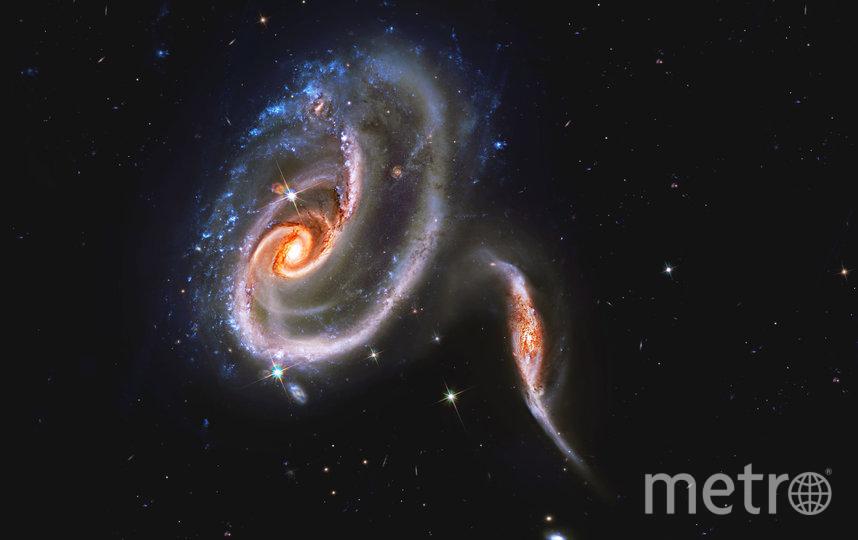 """НАСА опубликовало фотографию """"титанического сражения"""" между двумя галактиками, входящими в группу Arp 273. Фото NASA"""