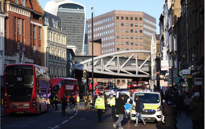 ЧП произошло 29 ноября на Лондонском мосту: фото с места событий. Фото Getty