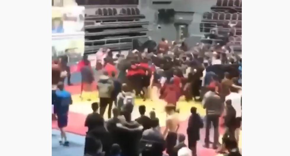 Потасовка на турнире по самбо в Ингушетии. Фото Скриншот Youtube