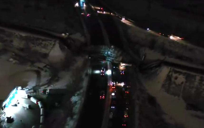 Режим ЧС ввели в Оренбурге после обрушения моста. Фото скриншот Youtube