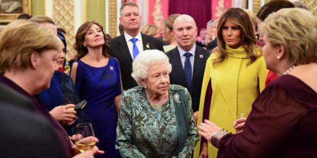 Прием в Букингемском дворце.