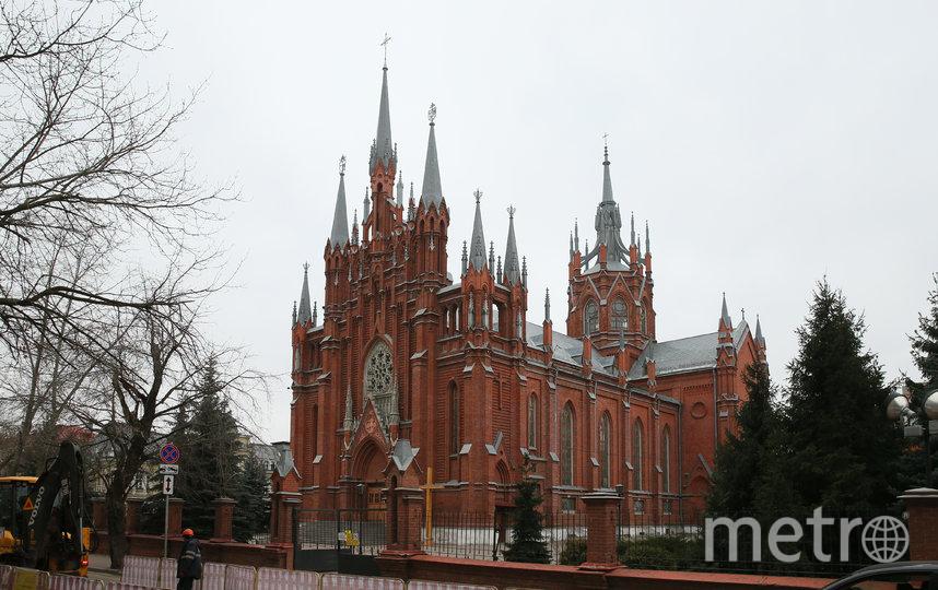 Римско-католический Кафедральный собор строили десять лет – с 1901-го по 1911 год. Фото Василий Кузьмичёнок