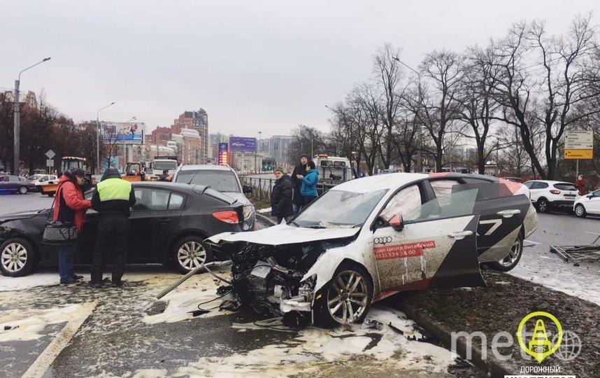 Фото с места ДТП на Выборгском шоссе. Фото https://vk.com/dorinspb, vk.com