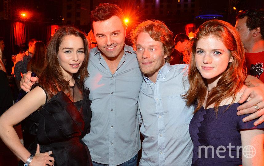 В 2012 году Эмилия встречалась с актёром Сетом МакФарлейном. Фото UPI