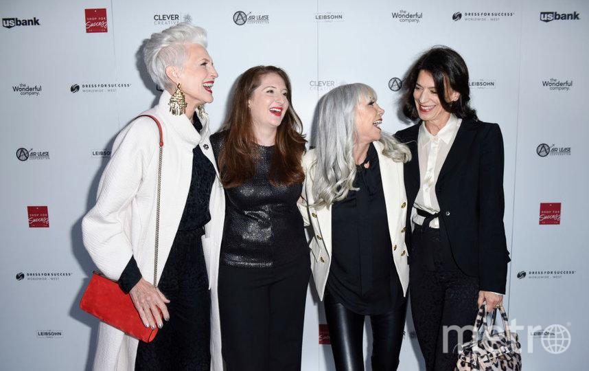 Мать Илона Маска приняла участие в церемонии открытия магазина. Фото Getty