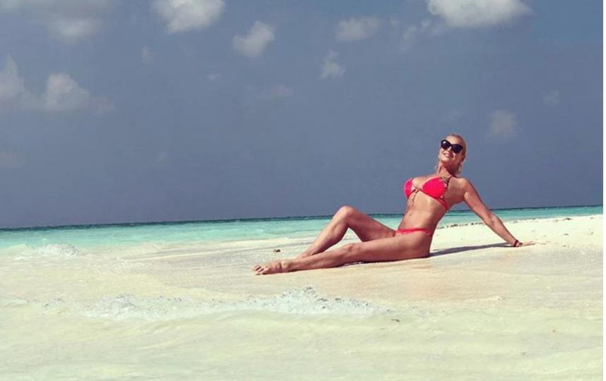 Похудевшая Волочкова активно делилась фото в купальнике в января 2019 года. Фото instagram.com/volochkova_art