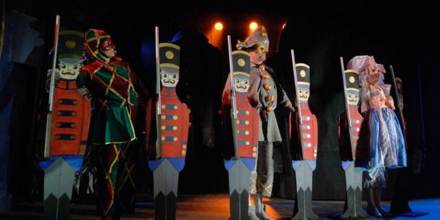 На сцене Большого театра кукол.