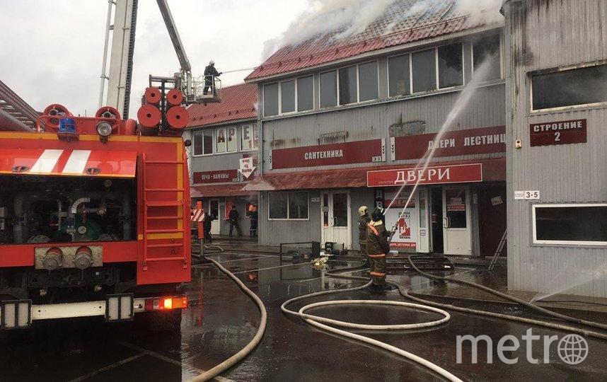 Площадь пожара составляет 600 кв.м. Фото https://50.mchs.gov.ru/