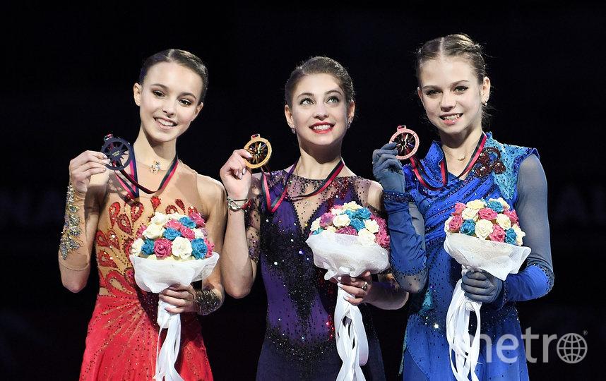 Анна Щербакова, Алёна Косторная, Александра Трусова (слева направо). Фото AFP