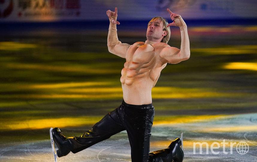 Евгений Плющенко пробил трубу и устроил фонтан на своём шоу в Клуже. Фото Getty