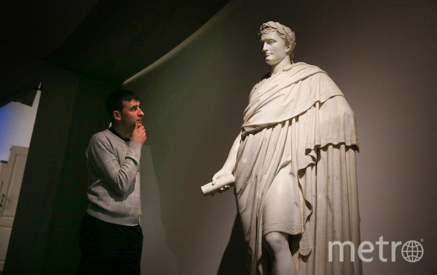 Статуя Наполеона, изготовленная в 1808 году из каррарского мрамора, заставила задуматься репортёра Metro. Фото Василий Кузьмичёнок