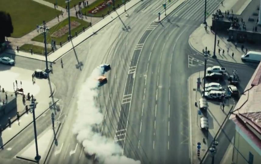 В Сети опубликовали видео дрифта по улицам Петербурга. Фото Все - скриншот YouTube