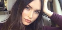 Меган Фокс вышла в свет в сексуальном платье-ночнушке и восхитила фанатов