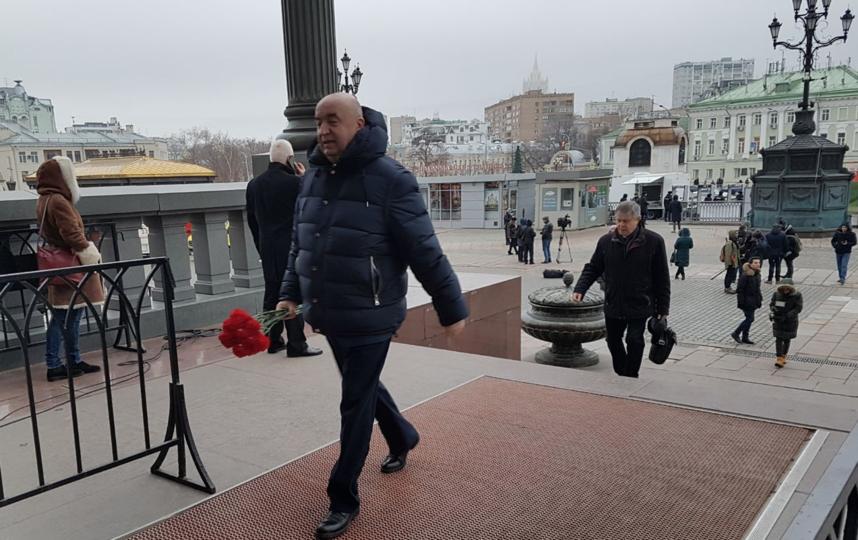 В Москве в храме Христа Спасителя проходит прощание с Юрием Лужковым. Фото Василий Кузьмичёнок