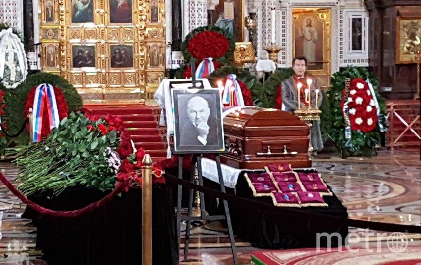 В храме Христа Спасителя проходит прощание с Юрием Лужковым. Фото Василий Кузьмичёнок