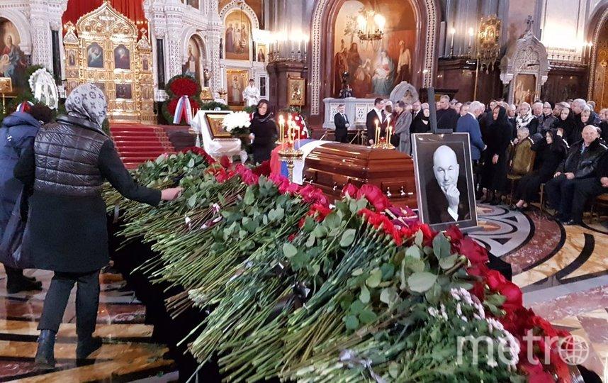 С Лужковым простились в Храме Христа Спасителя. Фото Василий Кузьмичёнок