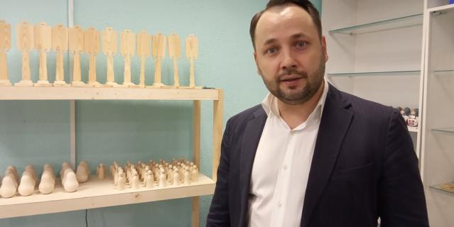 Сергей Лебедев возрождает волховскую роспись.