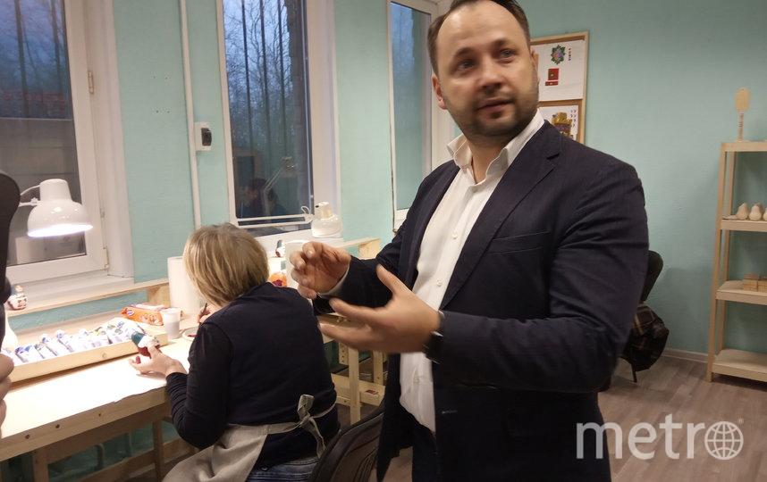 Сергей Лебедев возрождает волховскую роспись. Фото Евгений Голанцев