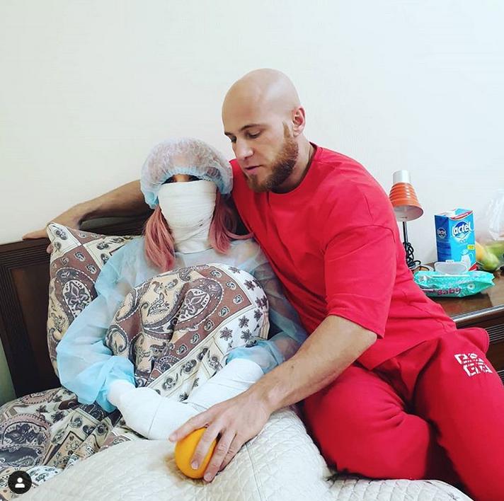 Бодибилдер из Казахстана женится на секс-кукле. Фото Скриншот Instagram: @margo_party