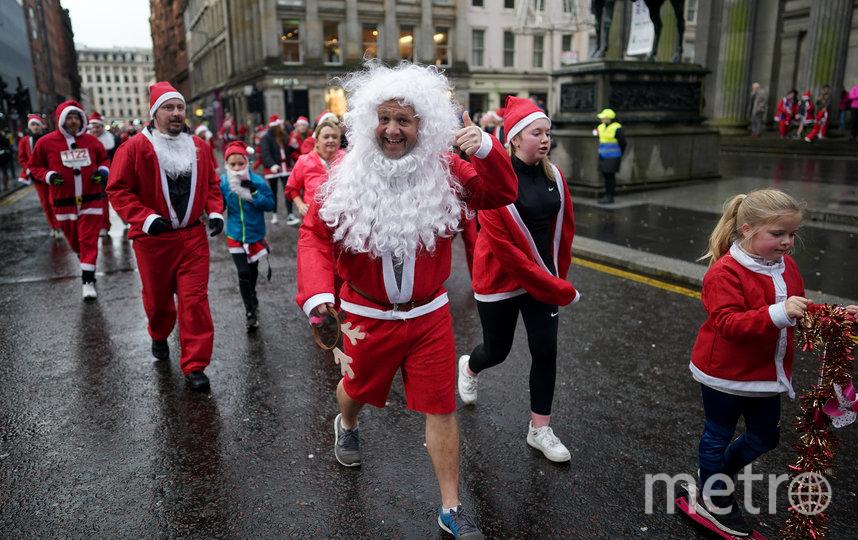 Забег Санта-Клаусов в Глазго, Шотландия. Фото Getty