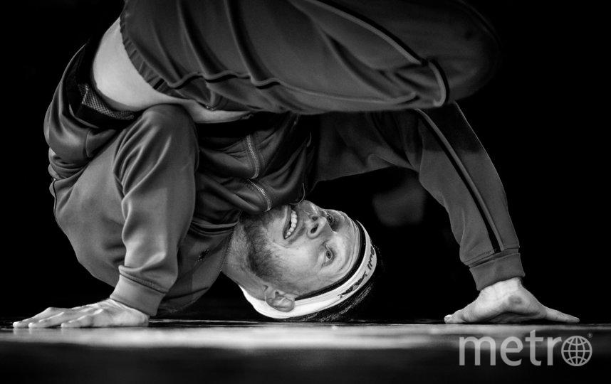 """трёхкратный обладатель чемпионского пояса Red Bull BC One из Нидерландов Menno. Фото https://www.redbullcontentpool.com, """"Metro"""""""