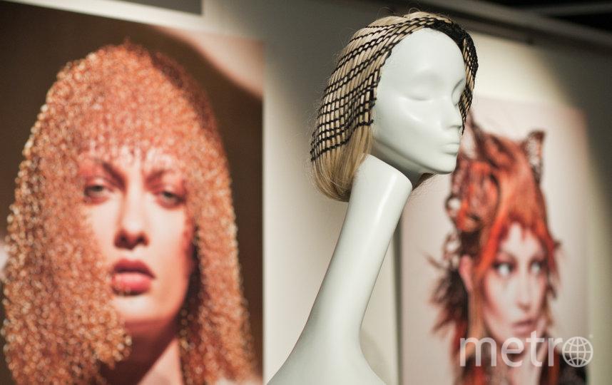 """При создании причёсок волосы заменили металлом. Фото Анна Лутченкова, """"Metro"""""""
