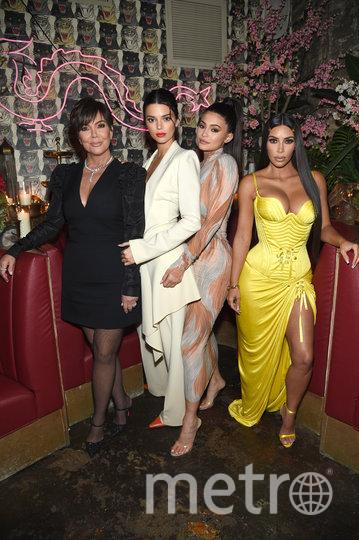 Ким Кардашьян с сёстрами и мамой. Фото Getty