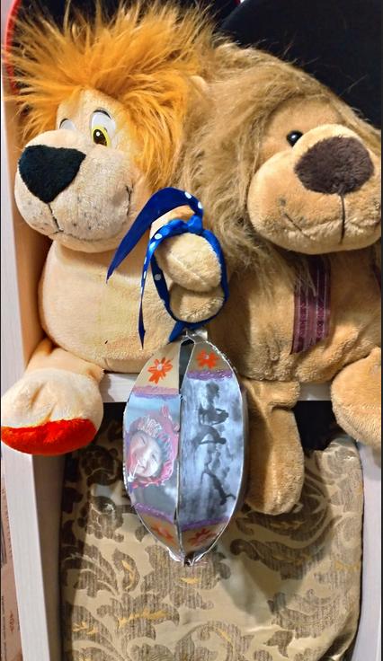 """Мария Асадчих также использовала для игрушки фото участников Metro Photo Challenge. Фото Мария, """"Metro"""""""